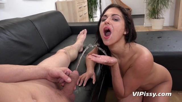 porno-pissing-molodezh