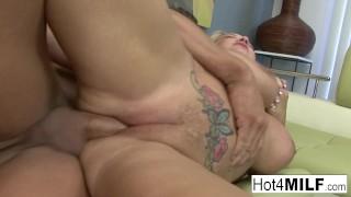 Lärare Jasmine Caro sexiga