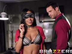 Blindfolded Hot First Date - Brazzers