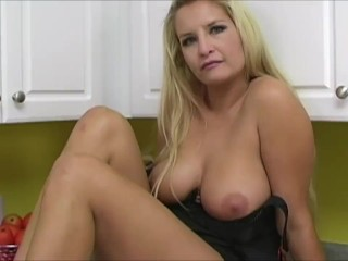 Angel Cassidy Rubs Her Pussy On Cam
