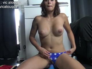 Wonder Woman aime le cul et s'en prendre plein la chatte par Vic Alouqua