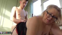 AgedLovE Mollige rijpere Lexie neukt Sam Bourne hard
