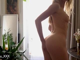 Fit girl masturbating by the window – LeoLulu