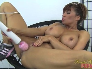 Muscular Pornstar Devon Michaels and Her Hitachi