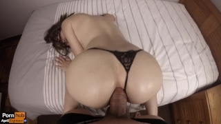 my girlfrieng sucking dicks