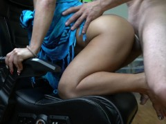 AMATEUR MARRIED COUPLE FUCK HARD ON GAMING CHAIR! 4K CLOSEUP FUCK!