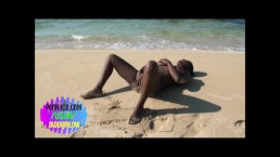 Sext Ebony Play On The Beach And In The Water Loving The Island live