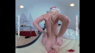 Merry Masturbation - Watch Her Orgasm in Virtual Reality! Female solo