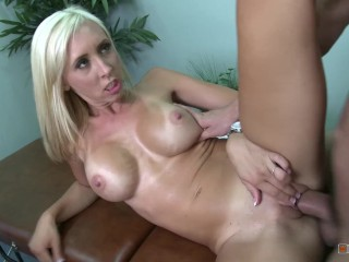 Xnxx ass to mouth blonde busty slut get it raw in massage room fakeshooting rough big tit