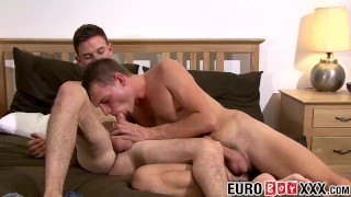 Hung Kyle enjoys drilling Tony Parker hard and fast