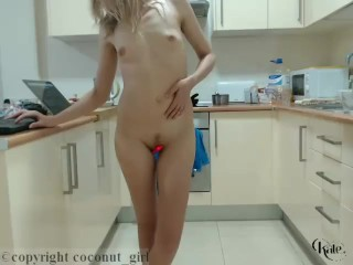 Nude Chating & Masturbating In The Kitchen