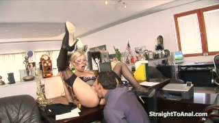 Donna Bell Horny Fucked In Her Itching Anal
