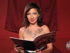 Topless Girls Reading Books: The Return Of The Spice Girls