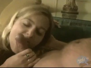 MILF ALANNA GIVES GOOD HEAD