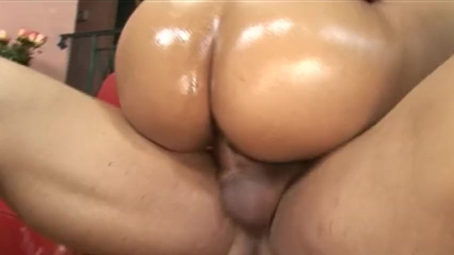 MY COCK MAKES HER CREAM ALL OVER THE PLACE