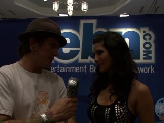 Show & Tell: Interview with Pornstar Sunny Leone