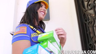 Jules Jordan - Keisha Grey Scouts For An Interracial Gang Bang Mother mom