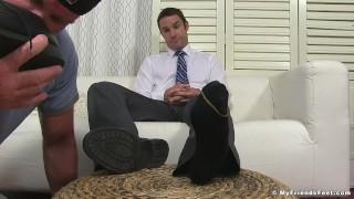Dominant yuppie Cameron Kincade enjoys being foot worshipped Rubbing blowjob