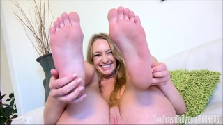 Daisy fetish foot interview stone close foot