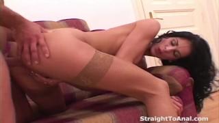 Ora di punta del cazzo anale con Vanessa