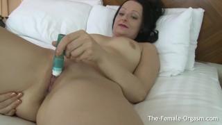 Orgasm clit milfs buzzing masturbation wet and pussy striptease pocket