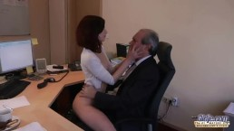 xxarxx I am a young secretary seducing my boss at the office asking for sex