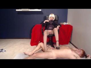 angellika gives old men footfetish