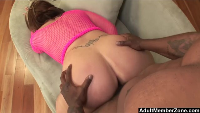 BBW screams and moans filled by black cock - AdultMemberZone