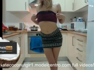 Beutiful Chef Kate Flash Hard Nipples In The Kitchen