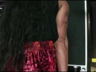 Training Triceps Pro Gym Workout With FBB Latia Del Riviero
