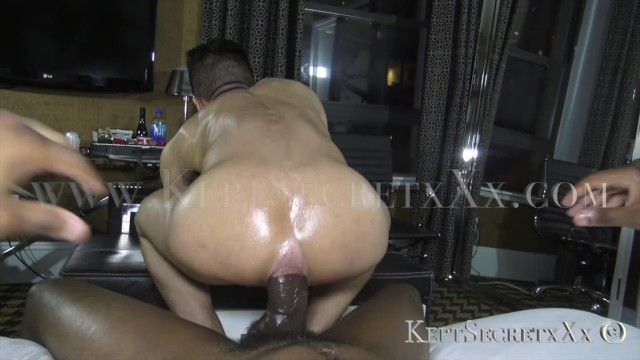Crazy gay porn position - Dudes is getting fucked bred like crazy by big dick pornstar keptsecret