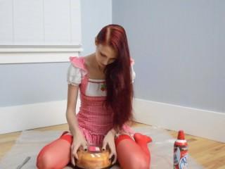 Strawberry Short Cake Ass Teaser 2-Halloween2017-MissKittyMoon.ManyVids.com