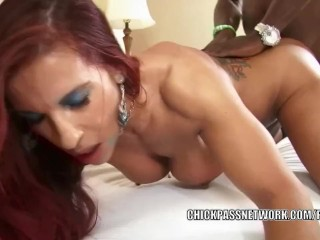 Busty MILF Helena Hughes gets her mature pussy pounded