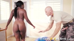 Mature Ebony Gets Some Personal Trainer Dick - Brazzers