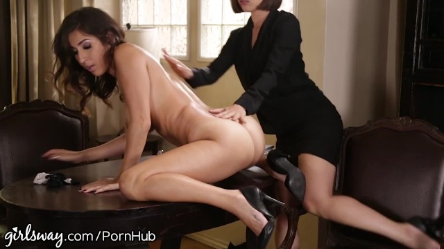 April Oneil Punished By Lesbian Boss For Slutty Dress -5564