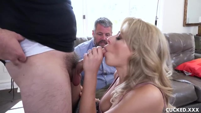 She wants to be fucked Zoey monroe tries couples therapy but she wants to be fucked