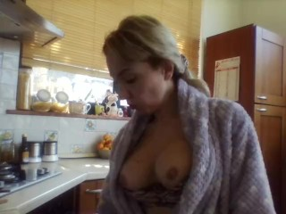 topless dishwashin