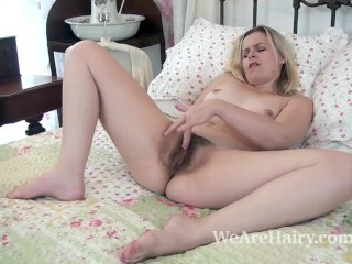 Anna Belle strips naked and masturbates on her bed