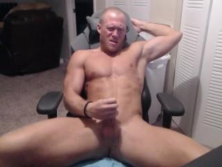 Amateur Muscle Cumshot!!