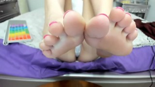 My soles close up in your face. Lick 'em!