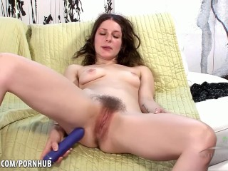 Naughty Rose Vermillion fucks her bush