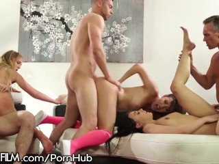 Swingers Party -Spin the Bottle Sex Games