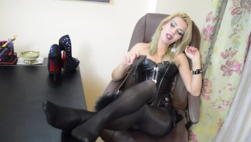 JessieRied on livejasmin - foot fetish
