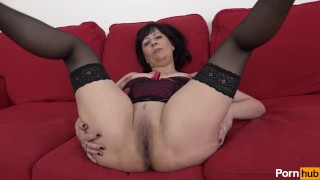 Mommy Does It Better 04 - Scene 2 Mature ass