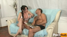 Voluptous tranny gets pounded by hairy guy