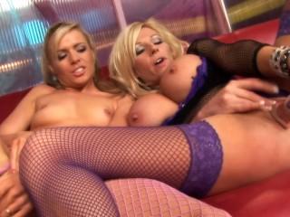 MICHELLE THORNE & ANNA LOVATO Fuck On Live TV