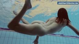 Amateur Lastova continues her swim