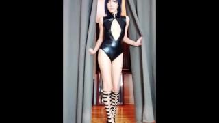 Sexy Teen in Latex & High Heels ( missKoneko.com )