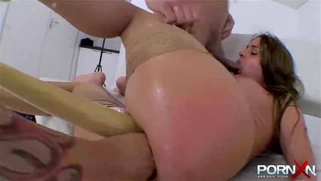 Heaven the pornstar - Slut gets double fisted