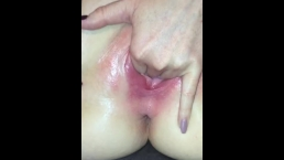 Fingering my juicy pussy and rubbing my clit